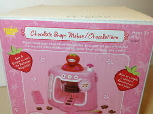 **NEW IN BOX** 2003 Strawberry Shortcake Chocolate Shape Maker Cambridge Kitchener Area image 8