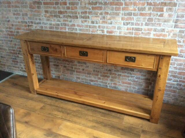 Reduced Rustic solid nibbed oak console table