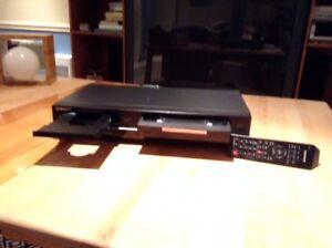 DVD player avec VHS combinee