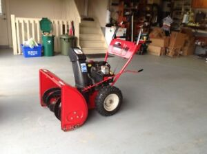 MTD 28 INCH 10 HP SNOWBLOWER