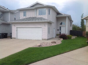 Bedroom Available in Gorgeous Bi-Level House Strathcona County Edmonton Area image 1