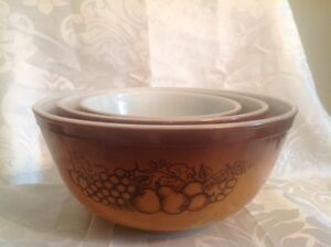 3 Vintage 1970's Pyrex Old Orchard Mixing Bowl Set