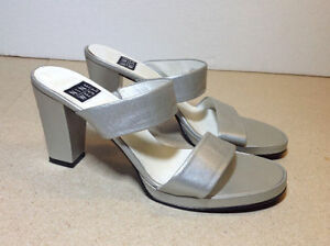 Silver leather stacked heel Nine West wide strap sandals size 8 Cambridge Kitchener Area image 2