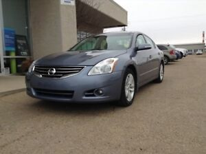 2011 Nissan Altima 3.5 SR, BLOWOUT PRICING!