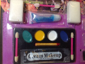 **NEW** Family Disguise Kits make up for Halloween Cambridge Kitchener Area image 4