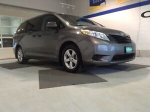 2016 Toyota Sienna 5dr 7-Pass *Backup Camera*