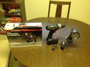 18 volt cordless drill and Flashlight kit