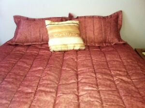 BEDSPREAD-NEW-DOUBLE-QUEEN