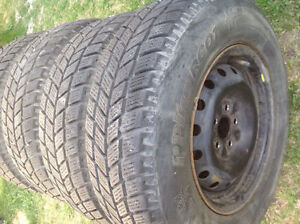 205-75-14 (205 75 14) 4 WINTER TIRES OF DODGE CARVAN
