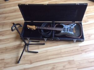 Guitare électrique VooDoo et accessoires, tout est neuf.
