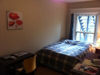 Large room in Mile End all included
