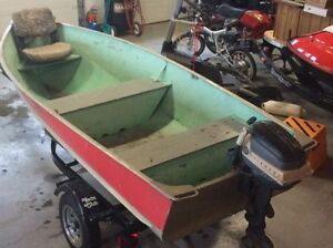 12' Lund Fishing Boat in REAL CLEAN CONDITION with 5.5 Evinrude