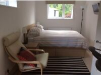 Monday to Friday - Lovely Brand New Self Contained Bedsit in Weybridge Surrey