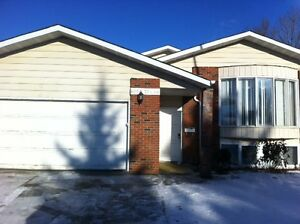HUGE lower level suite in MILLWOODS! 6054 37A Ave