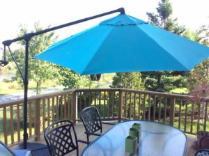 Cantilever Patio Umbrella from Treasure Garden (10ft)