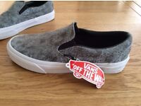 VANS trainers size 6 bnwt.