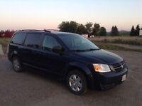 2009 Dodge Grand Caravan Stow-in-go 7 Passenger Sale $$$3500.00