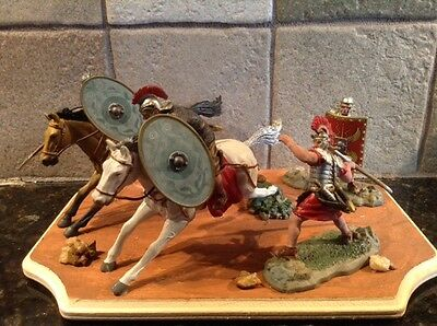 Toy Soldiers 4 54mm Plastic Roman Legionaries + 2 Horses