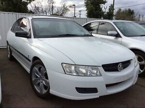 2005 Holden Commodore VZ Acclaim White 4 Speed Automatic Sedan Lansvale Liverpool Area Preview