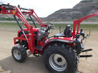 LIKE NEW FOTON 254 4X4 DEISEL TRACTOR WITH LOADER 37 HRS ON IT