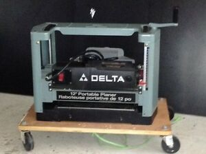 Delta 12 inch thickness planer