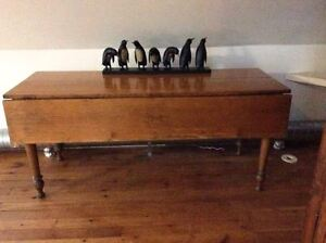 Pine drop leaf table - Canadian-made