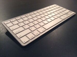 WIRELESS APPLE BLUETOOTH KEYBOARD