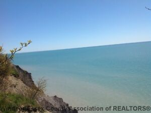 ***NEW LISTING*** 2.5 ACRE LAKEFRONT BUILDING LOT ON LAKE ERIE
