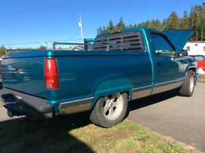 1994 GMC 350 V8 4 Speed Automatic OD in Excellent Condition