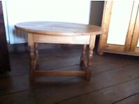 Pine Oval Occasional Table
