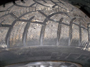 4 tires 16 225 60 in excellent condition on rims