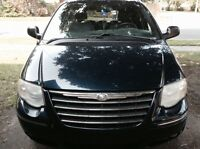 2005 Chrysler Town & Country Familiale