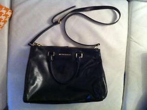 sac MK en cuir Michael Kors neuf, authentique avec pochette