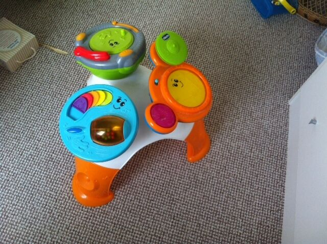 Chicco music band table musical drum set in - Tavolo music band chicco ...