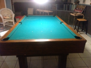"""""""NEW PRICE"""" 5 x 10 Slate Pool table, excellent shape"""
