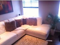 Room available, close to Stoneleigh Station - non smoking - shared kitchen/lounge.