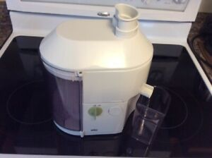 Fruit / Vegetable Juicer