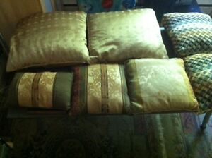 Lot of decorative NICE Toss / Couch / Bed Pillows