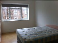 BIG WONDERFUL DOUBLE ROOM IN A CLEAN AND QUIET FLAT OF WEST LONDON HAMMERSMITH, ALL INCLUSIVE
