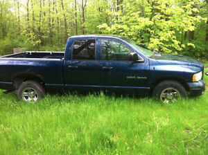 2004 Dodge Ram 1500 Pickup Truck 4 door