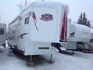 2010 FOREST RIVER XLR305V10 WINTERIZED TOY HAULER