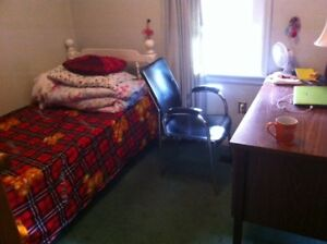 Rooms near Mac for student rent only