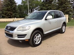 2008 Volkswagen Touareg, AUTO, AWD, LEATHER, ROOF, $9,500