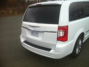 2014 Chrysler Town & Country Touring L Premium 41000km St. John's Newfoundland image 4