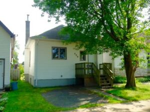 526 BRODIE ST N. OPEN HOUSE SAT OCT 14th 12:30-2:00pm