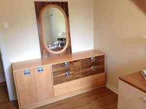 Mobilier - Bureau 9 tiroirs & miroir & Tables de chevet & lampes