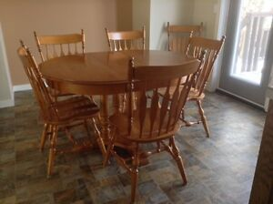 DINING TABLE & 6 CHAIRS - MAPLE
