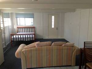 Studio to rent in Annerley/Greenslopes area - Rent includes bills Annerley Brisbane South West Preview