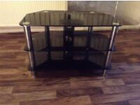 Black and gloss Tv stand