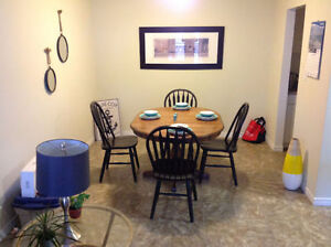 Looking for a roomate. Room for Rent starting.....now! Belleville Belleville Area image 2